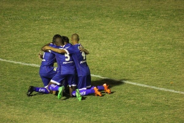 UNIÃO: Azulão venceu o Independente na quarta-feira (27) por 2X0 com gols de Medina e Moisés