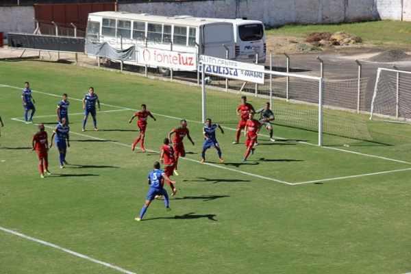 O Velo Clube venceu por 2 a 1 o Rio Claro FC em dérbi do Campeonato Sub 20, disputado na manhã deste sábado (2),