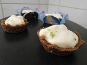 Essas tortinhas eu fiz para a festa de aniversário da minha sobrinha. Ah, o vídeo da receita também estará no Facebook do JR