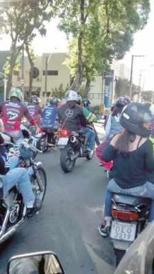 """Motociclistas fizeram """"motosseata"""" para conscientizar quanto ao uso do cerol"""