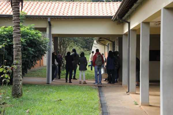 Greve de estudantes iniciada no dia 9 de junho, na Unesp de Rio Claro, foi aprovada em assembleia por aproximadamente 500 alunos