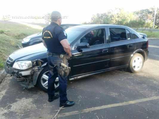 Na foto, ação da Guarda Civil Municipal ao apreender um veículo que havia sido roubado no bairro Parque Universitário