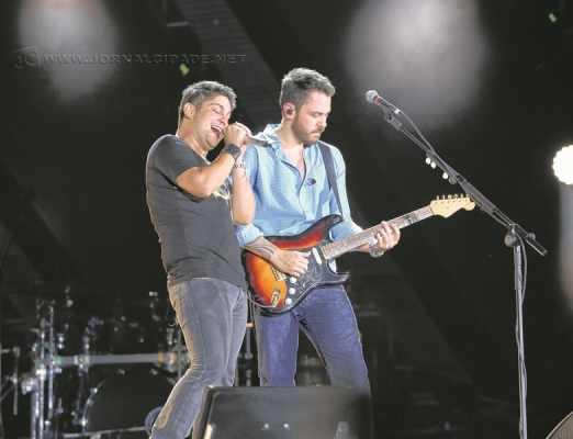 A dupla Jorge & Mateus sobe ao palco nesta quinta-feira (11) e abre a Festa do Peão de Araras com muitos sucessos e boa música