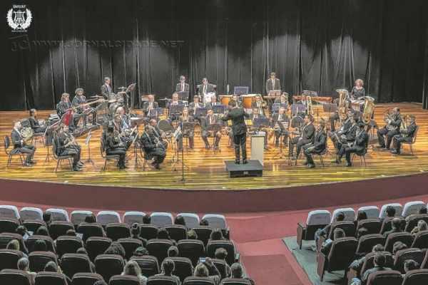 """A Banda Sinfônica """"União dos Artistas Ferroviários"""" de Rio Claro faz 120 anos e comemora data em concerto sobre a história do cinema"""