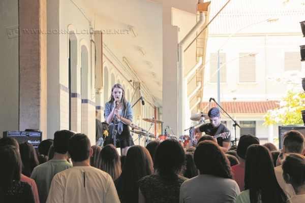 Com diversas bandas de alunos e também convidados, o evento conta com uma praça de alimentação e visa oferecer entretenimento e música de qualidade