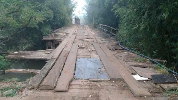 Na foto enviada por leitora, ponte que passa sobre o Rio Corumbataí na região do Distrito de Batovi