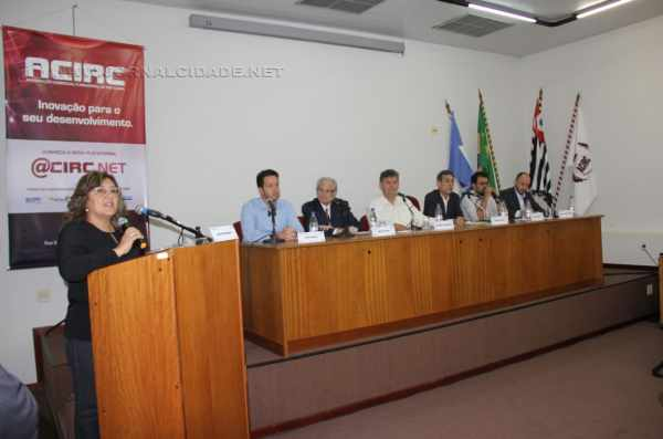 O debate foi realizado no auditório da Associação Comercial e Industrial de Rio Claro (ACIRC) com todos os postulantes deste pleito