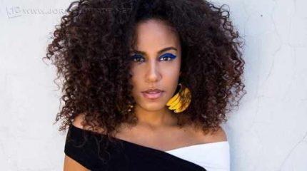 Os cabelos cacheados hoje estão presentes em mais de 80% de nossa população feminina, independente de sua etnia e tipo físico