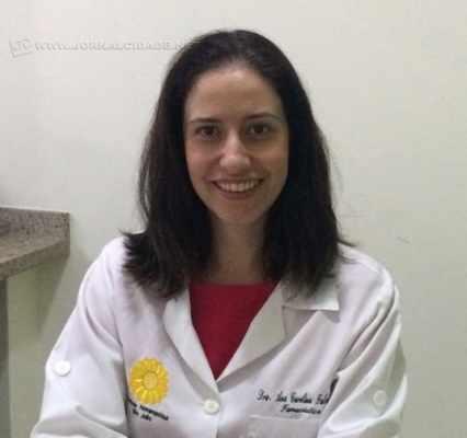 A farmacêutica Ana Carolina G. F. Otero