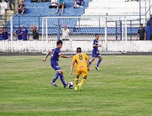 ADIANTE!: equipe de Sérgio Guedes figura na primeira colocação da tabela do Grupo 8 com sete pontos e é uma das favoritas de 2016