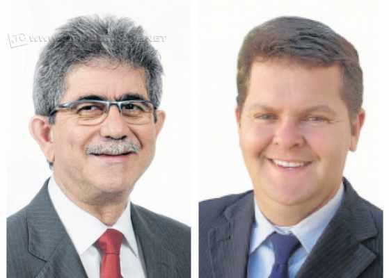 O prefeito atual Palmínio Altimari Filho, o Du Altimari, do PMDB, e o prefeito eleito João Teixeira Júnior, do Democratas