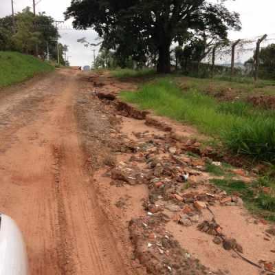 Foto feita por leitor do JC mostra as condições da estrada que leva ao bairro Nova Analândia