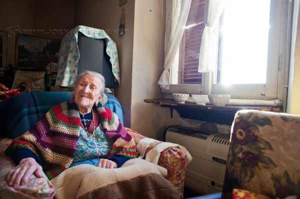 A italiana Emma, de 117 anos (Foto: Alessandro Grassani /NYTimes)
