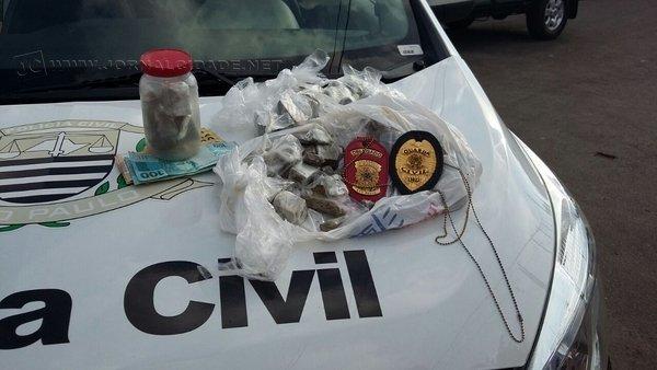 Prisão de dois traficantes foi realizada nessa quinta-feira (24), no Terra Nova. Último homicídio da cidade aconteceu no bairro
