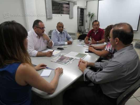Presidente da Câmara João Zaine (PMDB) esteve nessa segunda (19) no JC junto com a comitiva jurídica do Legislativo e assessor