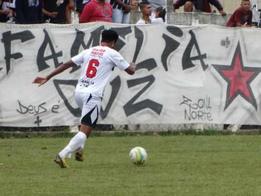 BOLA PRA FRENTE!: diretoria trabalha para manter o time entre os melhores do torneio promovido pela Liga Municipal de Futebol [LMF]