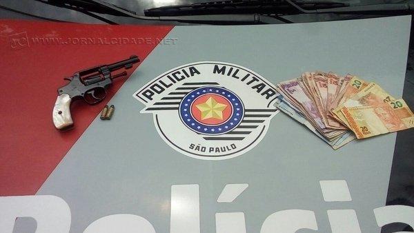 O assalto aconteceu no fim da manhã de segunda-feira (19), em um estabelecimento comercial localizado na Avenida 40