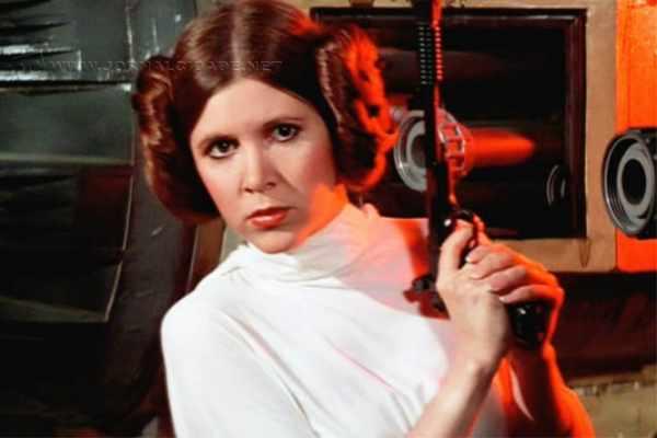 Carrie caracterizada como a Princesa Leia