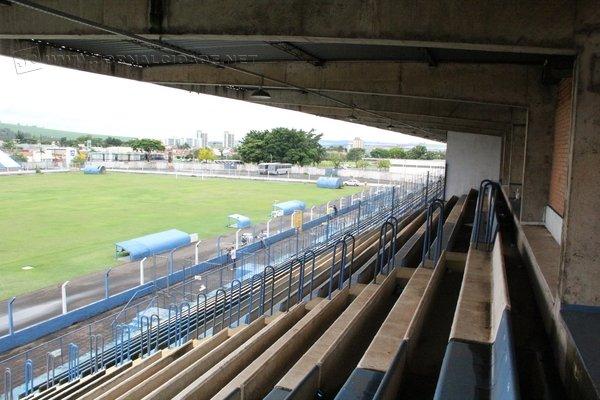 Estádio do Galo Azul: Dr. Augusto Schmidt Filho, o Schmidtão