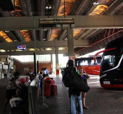 No Terminal Rodoviário de Rio Claro há várias empresas que fazem transporte intermunicipal e interestadual diariamente