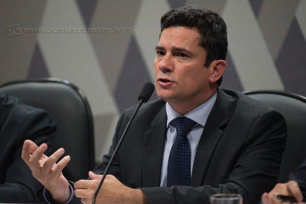 O juiz federal Sérgio Moro adiou o interrogatório do ex-presidente Luiz Inácio Lula da Silva.