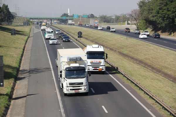 A concessionária Centrovias, que administra a Rodovia Washington Luís, prevê milhares de veículos