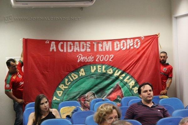 Torcida do Velo Clube deve marcar presença na Câmara Municipal na próxima sessão ordinária, prevista para o dia 5 de dezembro