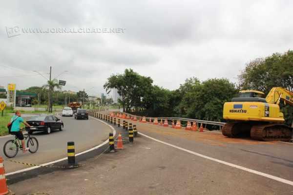 Obras na alça de acesso da Rodovia Washington Luís (SP-310) estão acontecendo de segunda a sábado, durante a manhã e à tarde