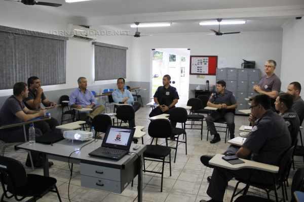Comandantes da Polícia Militar de Rio Claro em reunião com a Guarda Civil Municipal e a Secretaria de Segurança do município