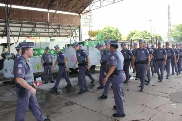 Policiais se reuniram no interior da antiga Estação Ferroviária para traçar planos de ação na cidade
