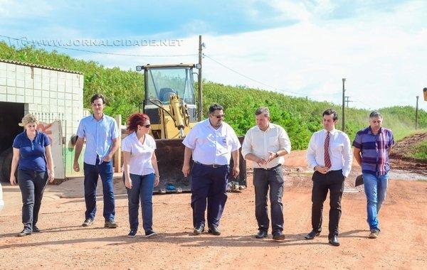 Juninho acompanhou o assunto ao lado de secretários municipais