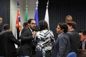 Em destaque, entrada seguida de retirada de projeto da vereadora Carol Gomes (PSDB), que prevê a redução do recesso na Casa