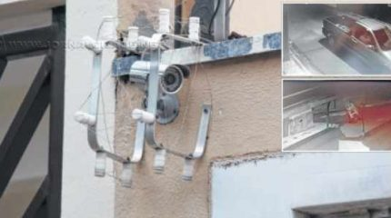 Segundo informações e imagens das câmeras, a ação é rápida e uma escada costuma ser usada pelos indivíduos; além dos equipamentos, cercas também são danificadas