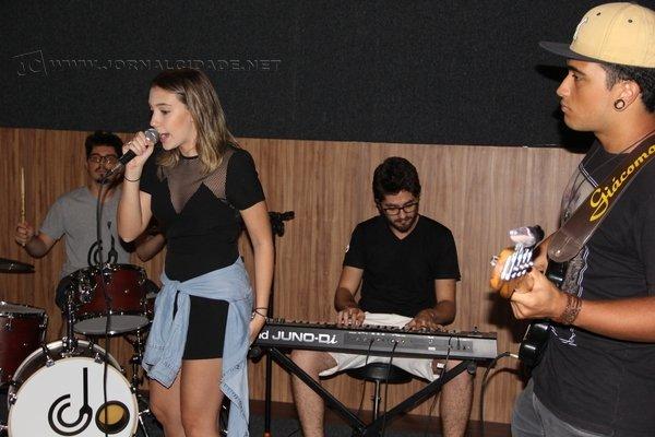 Alunos e ex-alunos do colégio se apresentaram durante inauguração do estúdio de música do Colégio Puríssimo na tarde de sexta-feira