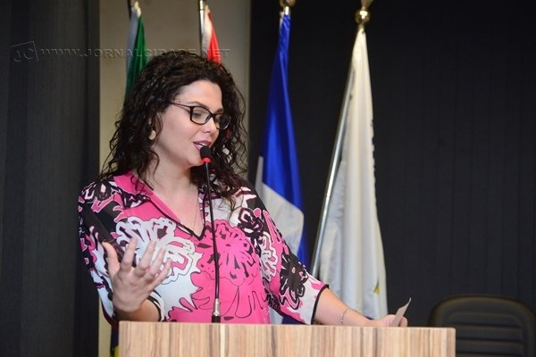Projeto de Carol Gomes (PSDB) autoriza a criação de uma lista de medicamentos disponíveis na rede pública