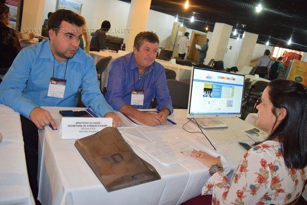 Maristela Sampaio, do Ministério da Saúde, com Julinho Lopes e Antonio Archangelo