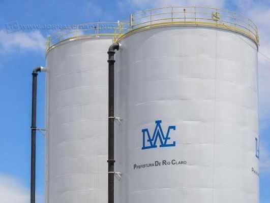 Água usada nestes testes precisará ser descartada. Obras vão aumentar a capacidade de reservação de água do município