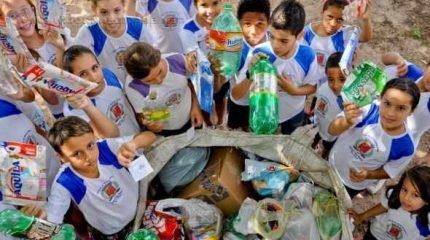 Envolvendo cerca de dois mil alunos, o evento tem como objetivo conscientizar as crianças, de maneira lúdica, sobre questões ambientais.