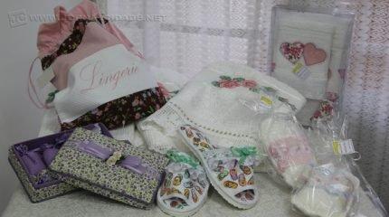 Para as mamães que acabaram de ter seus filhos, a loja oferece muitos produtos e também conta com linhas para casa e banho