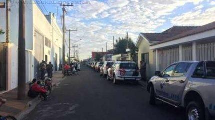 Operação de grande proporção teve início na madrugada de segunda-feira (17) na Rua M-2, no bairro Vila Martins, em Rio Claro
